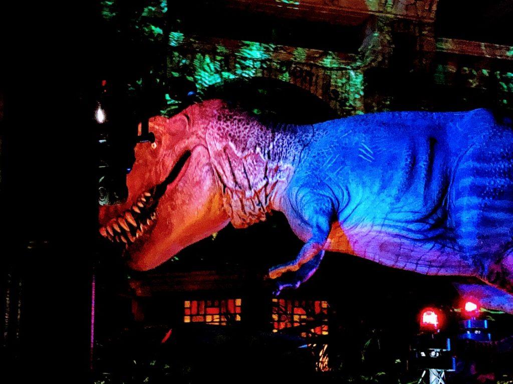 USJナイトパレードの恐竜