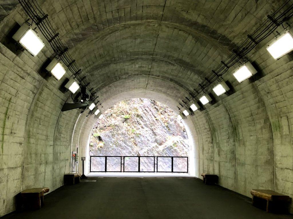 清津峡渓谷トンネル・光のトンネル