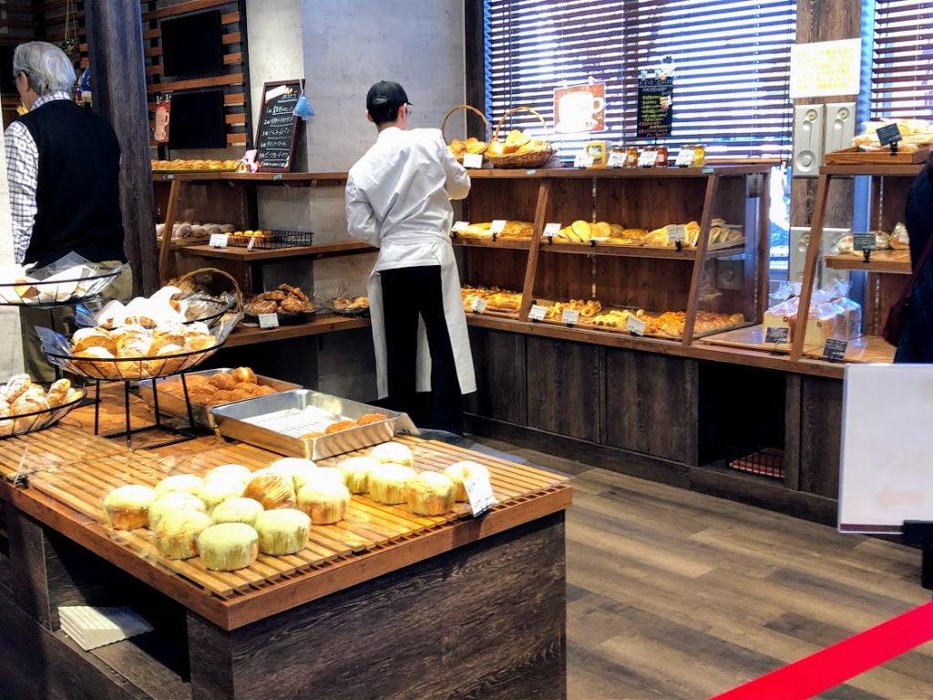 上里サービスエリアのパン屋