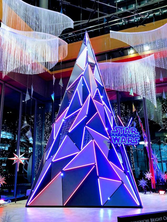 丸ビルスターウォーズのクリスマスツリー