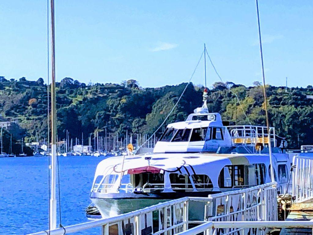 駿河湾クルーズの船