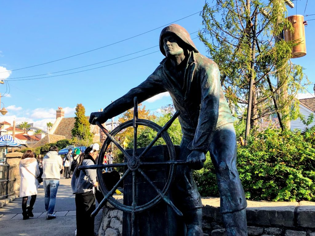 USJ海行く人の銅像